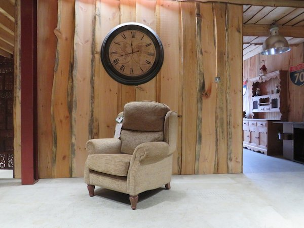 HSL Burrows Classic Armchair Grande Size