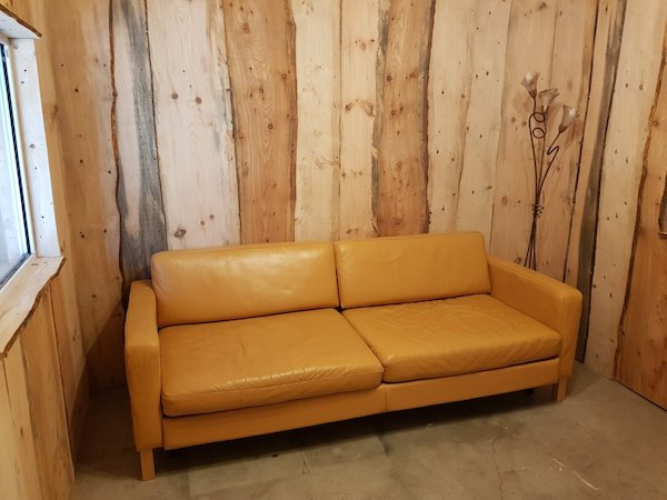 Large Leather 4 Seater Bed Settee